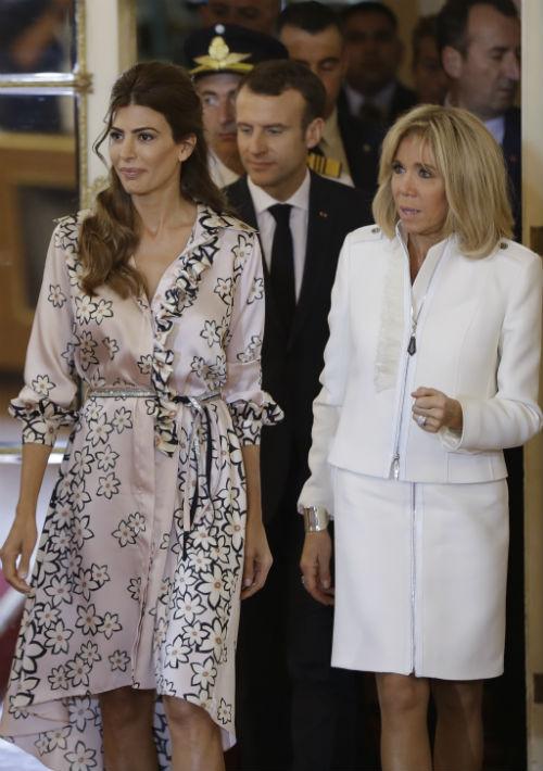 La primera dama de Argentina, Juliana Awada, y la primera dama de Francia, Brigitte Macron, visitan el palacio presidencial en Buenos Aires, Argentina. (Foto: AP)