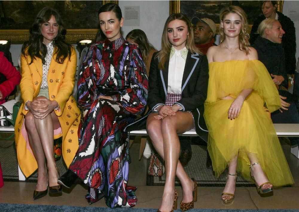 En primera fila estuvieron Shailene Woodley, Camilla Belle, Peyton List y Virginia Gardner. (AP)