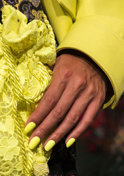 Píntalas de amarillo fluorescente con un acabado de alto brillo. (Foto: WGSN)
