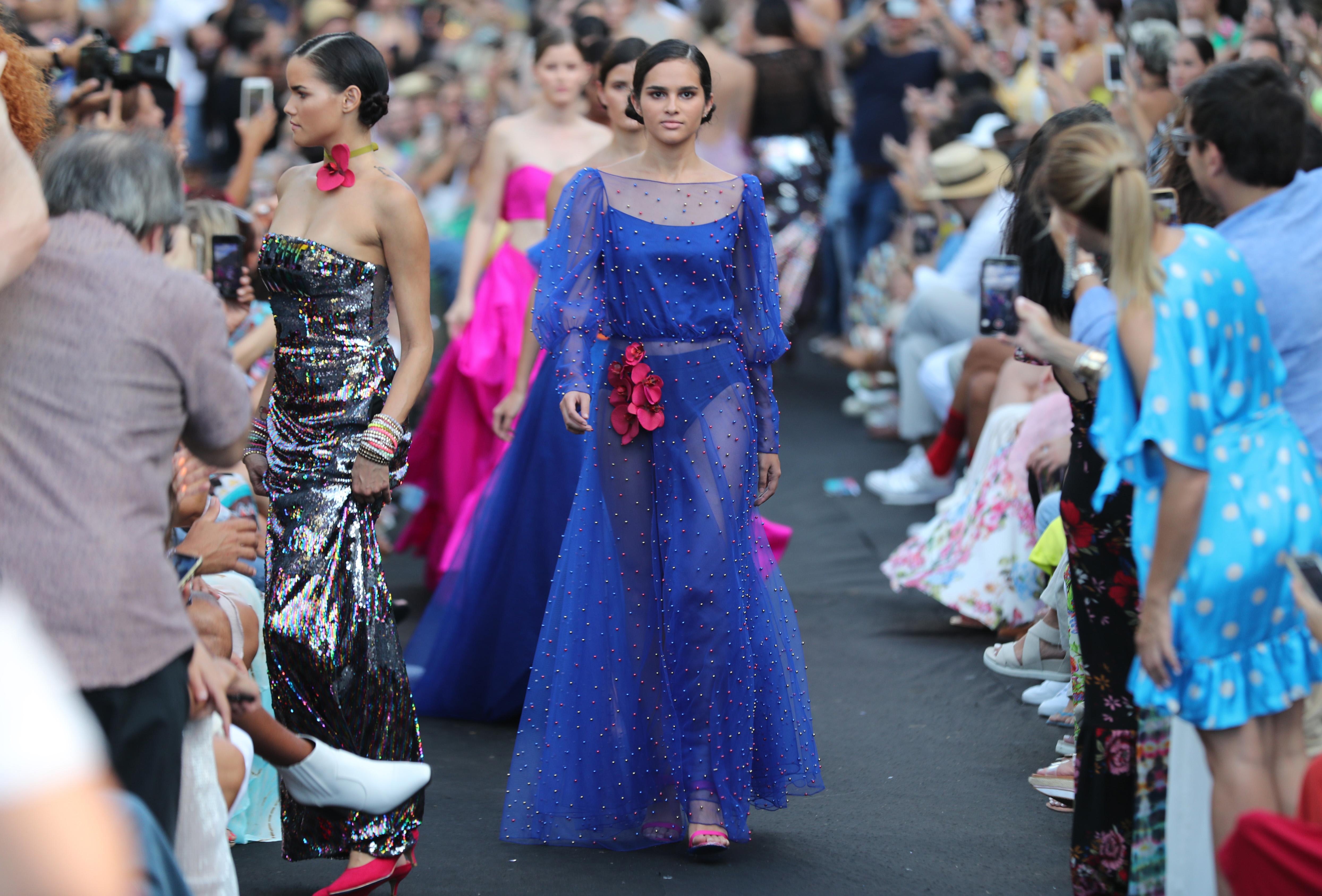 Los colores brillantes también impactaron en el desfile. (Foto: Juan Luis Martínez)