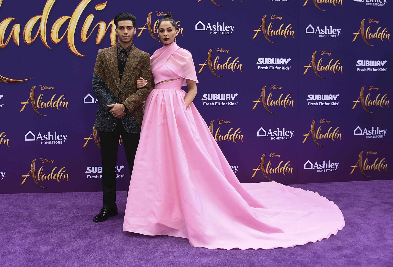 ¡Son Aladdin y Jasmine! Mena Massoud y Naomi Scott. (Photo by Jordan Strauss/Invision/AP)