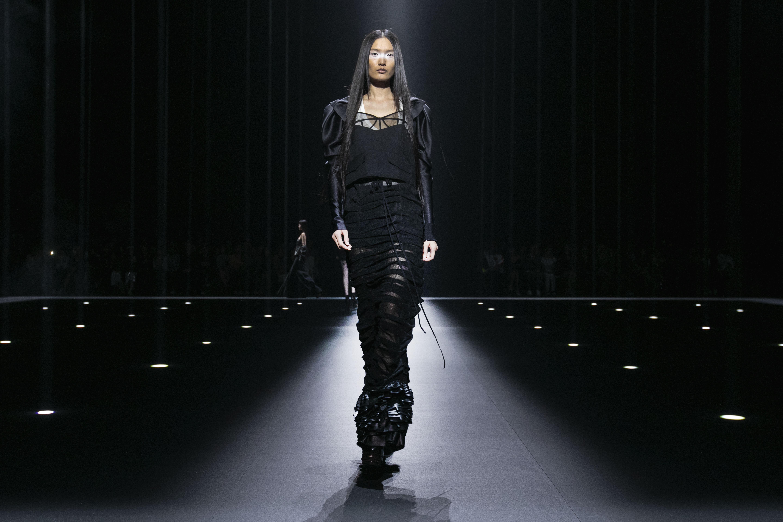El negro fue el color predominante de la propuesta de Vera Wang. (AP)