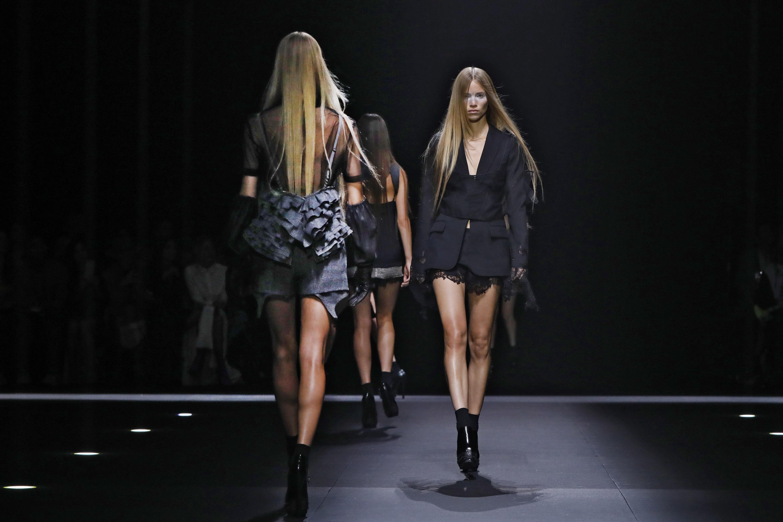La chaqueta es una de las tendencias más vistas en los desfiles presentados durante los últimos días en la Semana de la Moda de Nueva York. (AP)