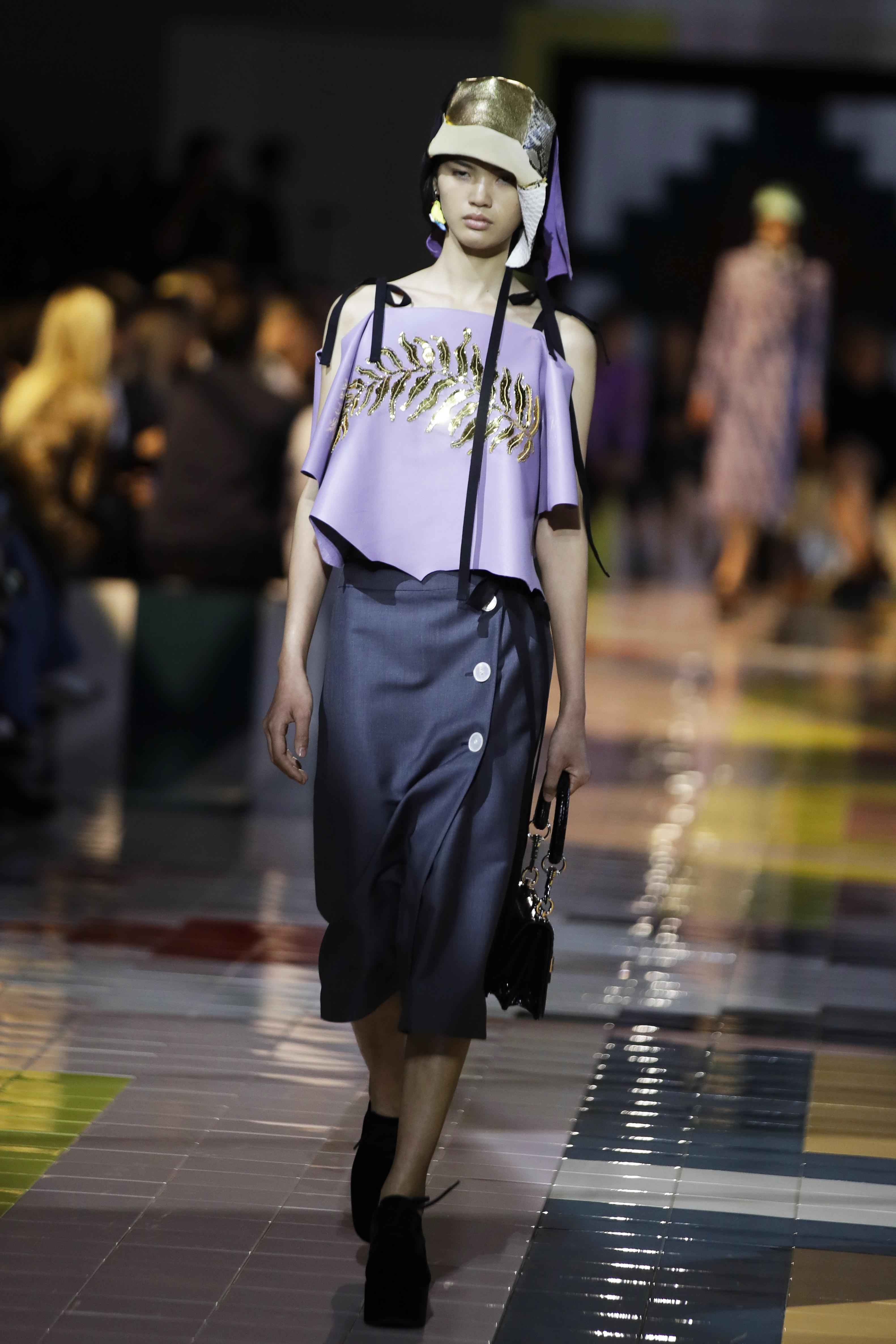 La colección de Prada dio inicio a la Semana de la Moda de Milán. (AP)