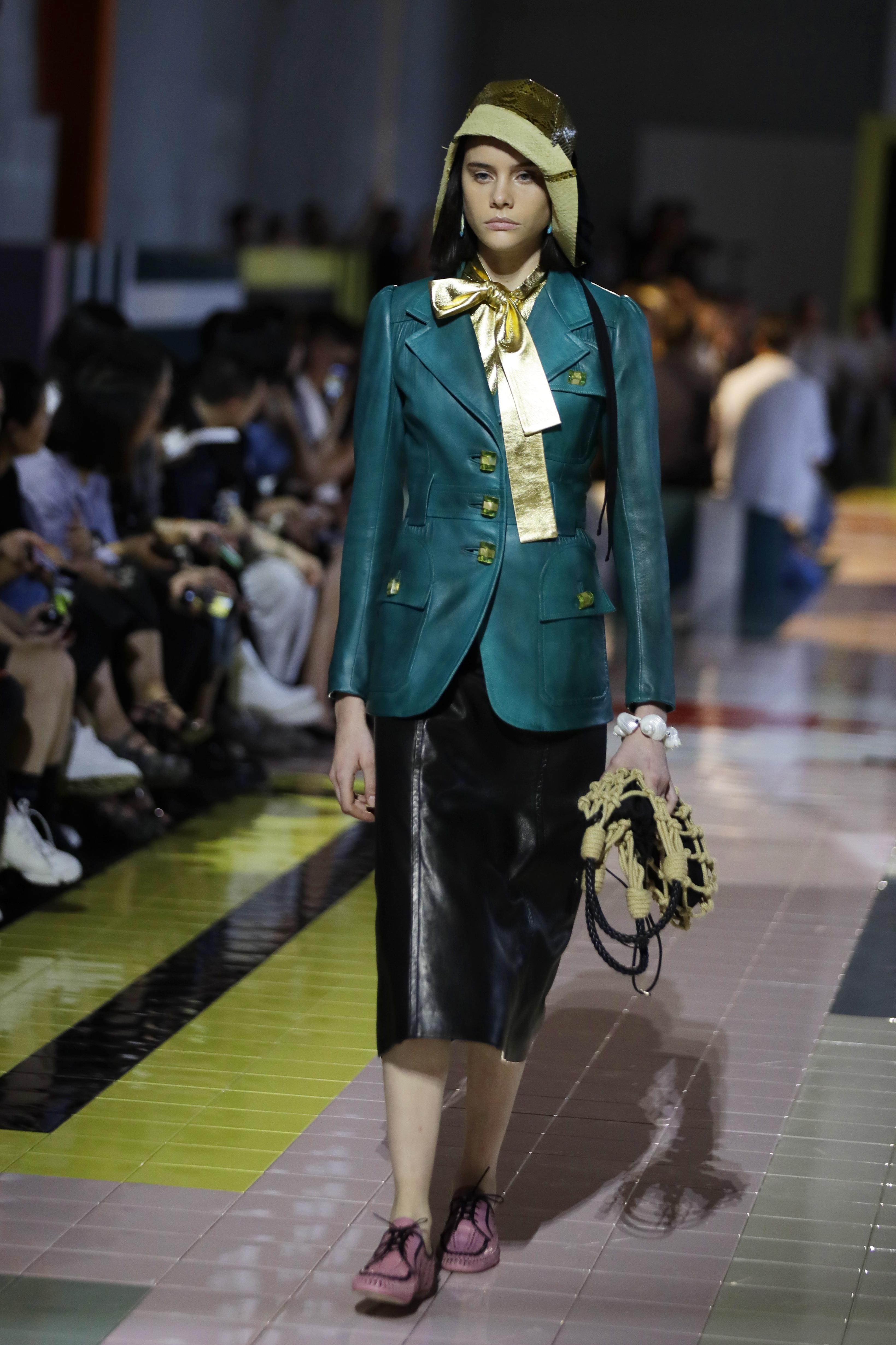 Las chaquetas fueron parte esencial en el desfile de Prada en Milán. (AP)