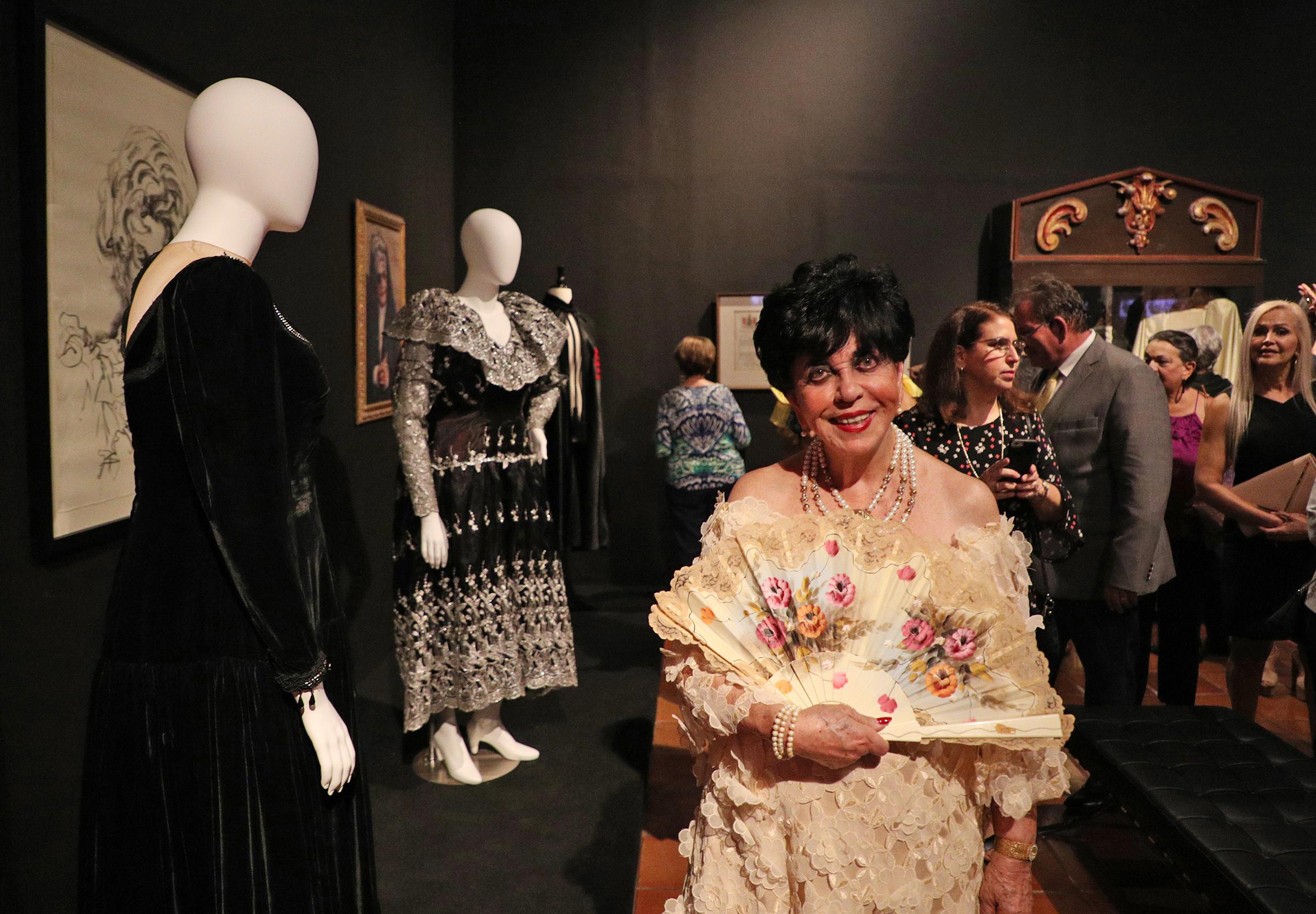 Carlota Alfaro fue una de las diseñadoras puertorriqueñas que confeccionó especialmente para exhibición un vestido inspirado en el estilo de Felisa Rincón de Gautier. (Foto: Juan Luis Martínez)