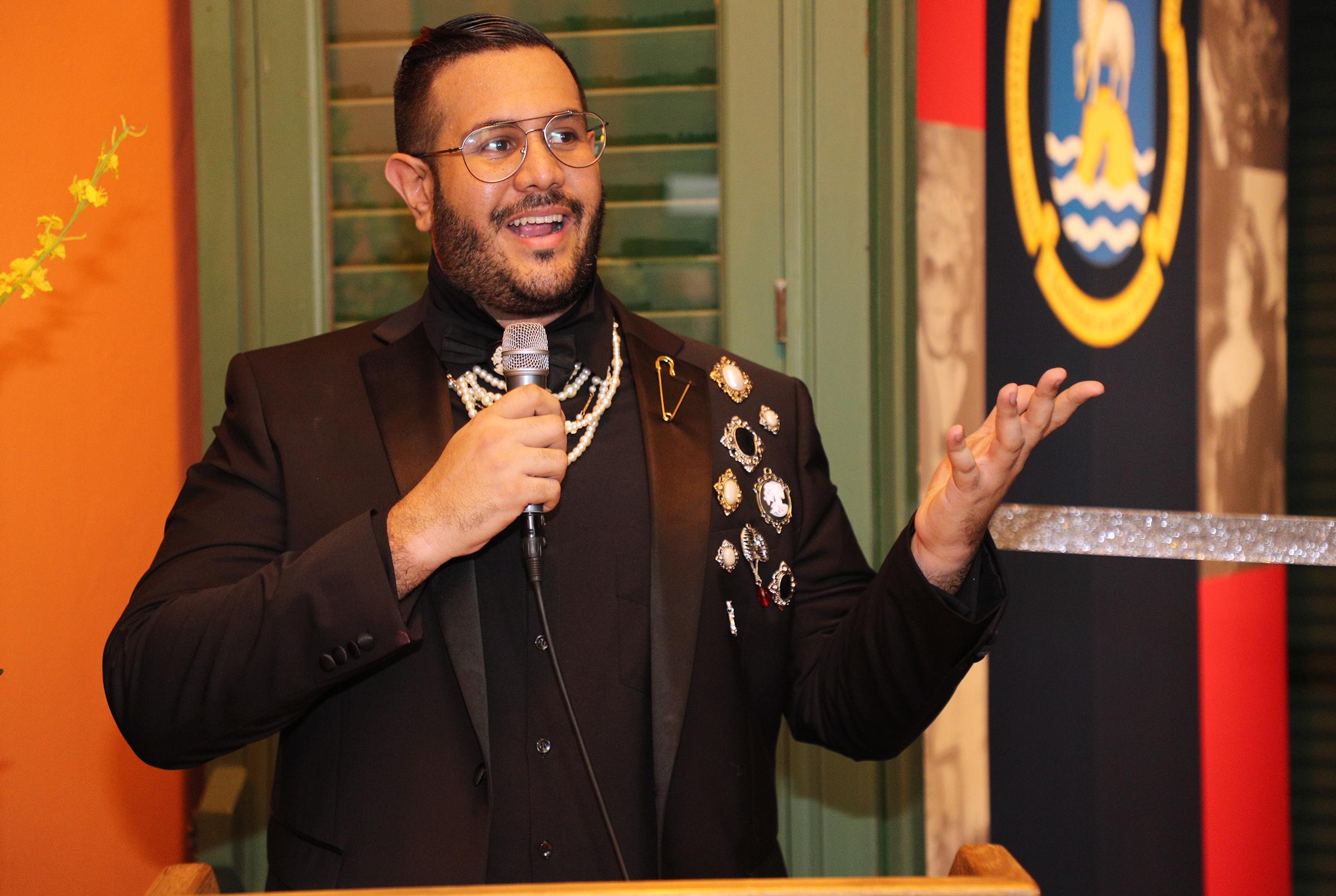 El historiador Joseph Da'Ponte es el curador y presidente del Puerto Rican Fashion History Council. (Foto: Juan Luis Martínez)