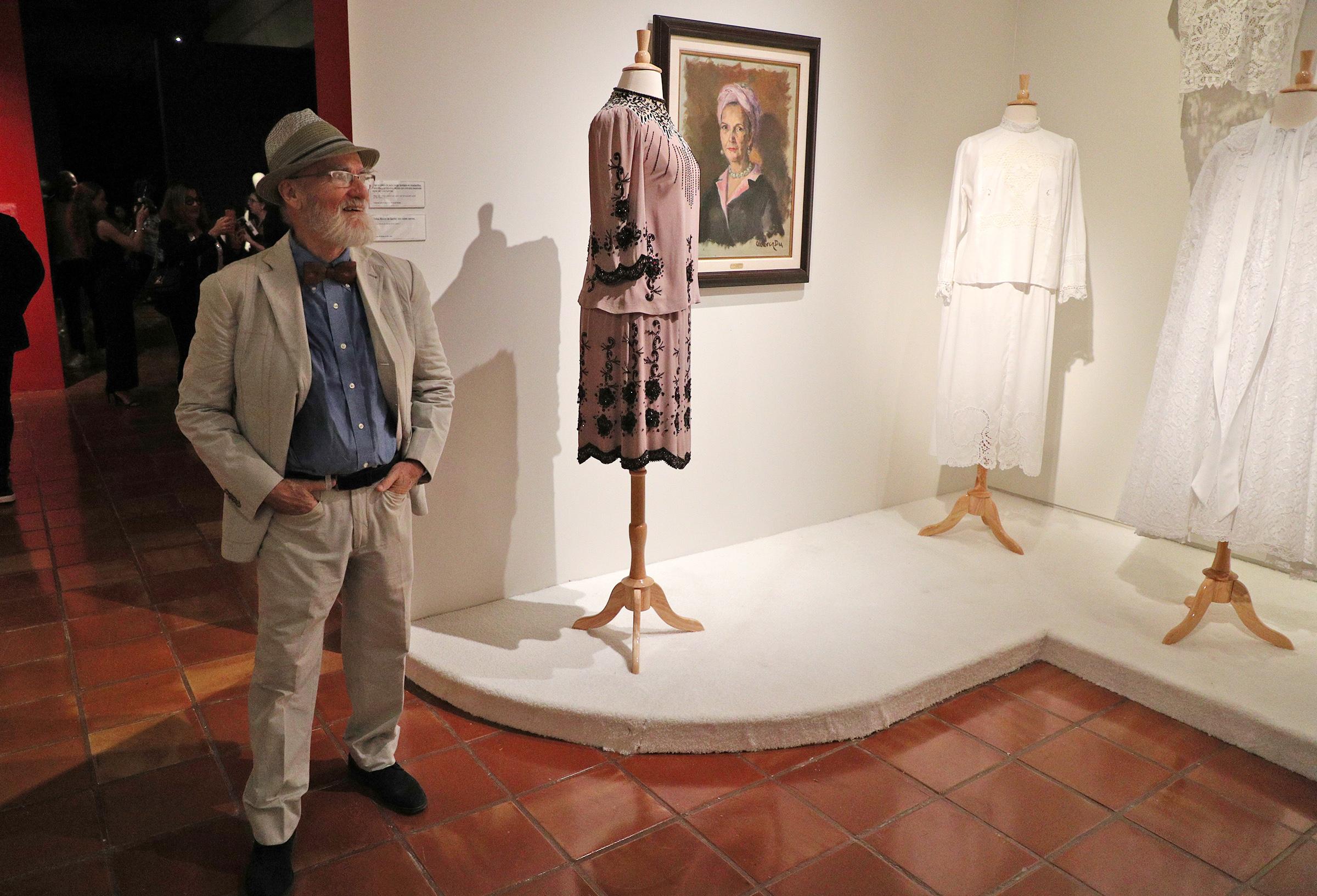 La exhibición incluye obras creadas por el maestro Antonio Martorell para quien fuera alcaldesa de la ciudad de San Juan entre 1946 y 1968. (Foto: Juan Luis Martínez)