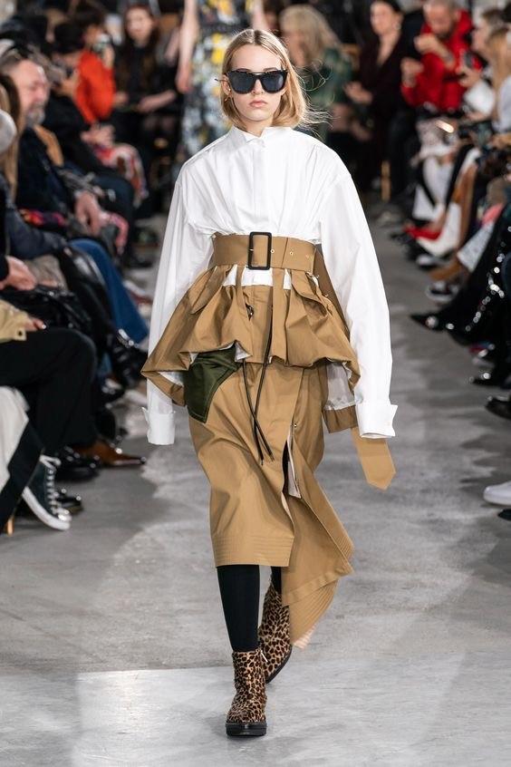 Chitose Sakai, considerada como la Rei Kawakubo de la nueva generación con su marca Sacai, ha redefinido el diseño de la moda japonesa, presentando una deconstrucción más balanceada, original, pero práctica. (Suministrada)