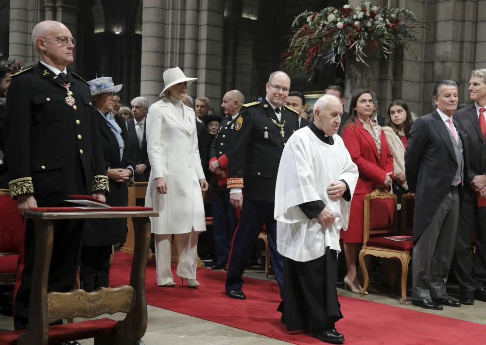 La fiesta se celebra cada 19 de noviembre. Entre las actividades se realiza una misa en la catedral y una entrega de medallas en la Corte de Honor del palacio. (AP)