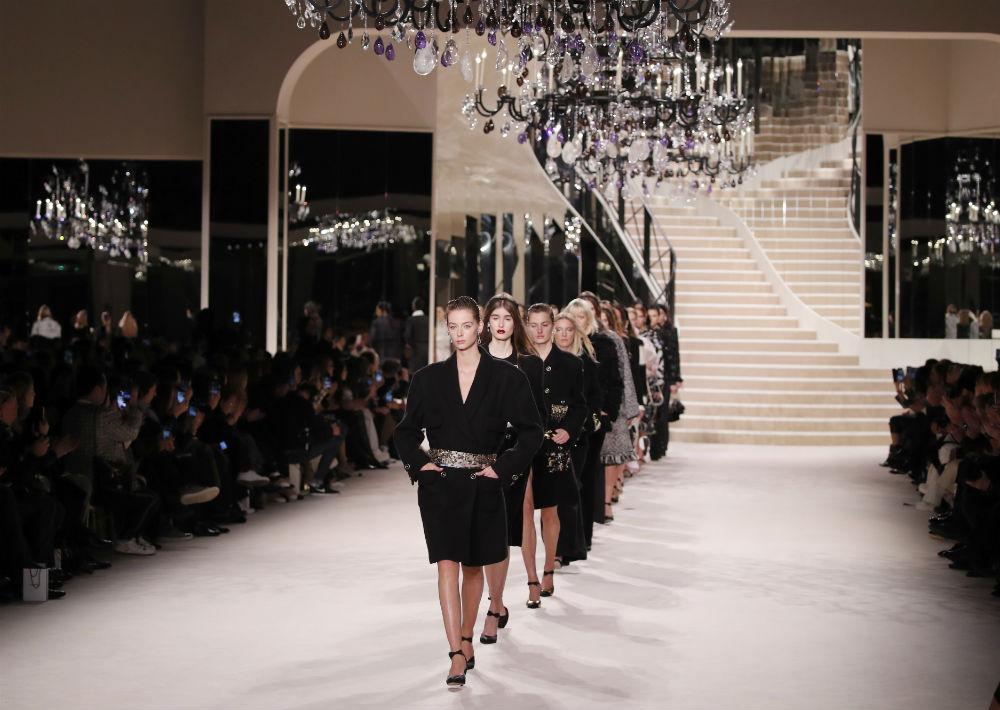 El desfile se realizó en el Gran Palais de París. (AP)