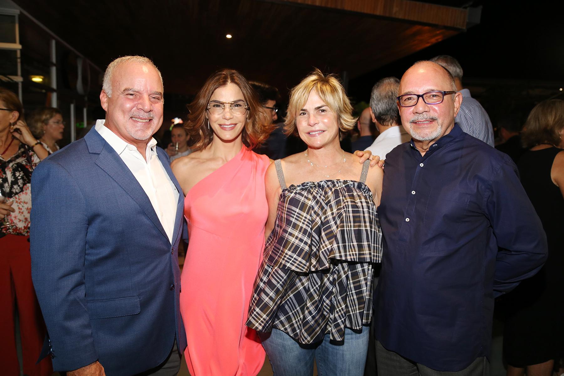 Juan Guillermo Herráns, Loren y María Luisa Ferré Rangel junto con Jorge Marchand. (Foto: Nichole Saldarriaga)