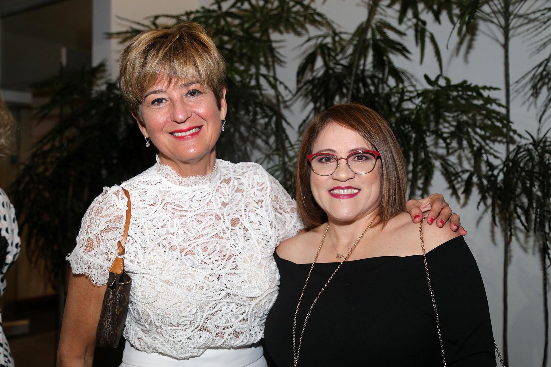 Brenda León y Jackelyn Báez. (Foto: Nichole Saldarriaga)