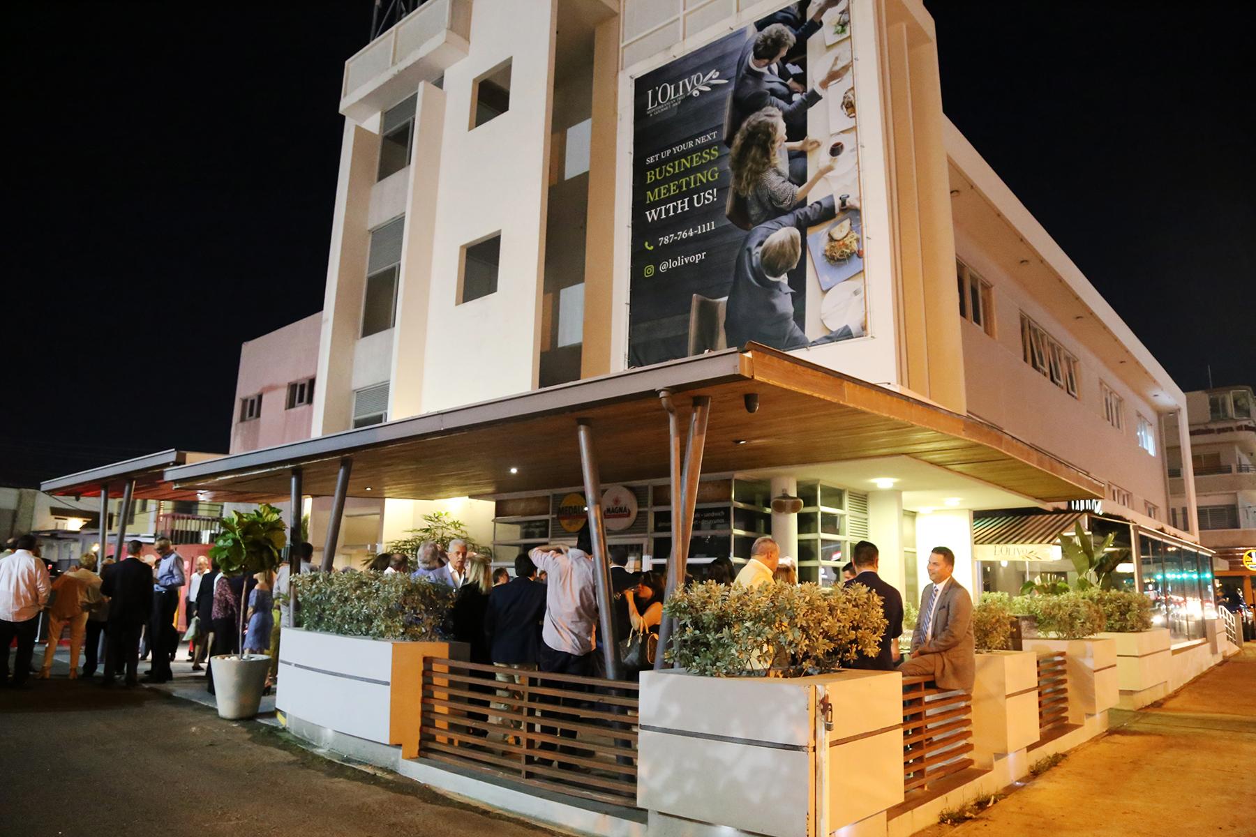 La decimosexta Cena Amigos de la Esperanza se celebró en el restaurante L'Olivo con los chefs Víctor Mojica y John Ayala y los vinos de Ambrosía. (Foto: Nichole Saldarriaga)