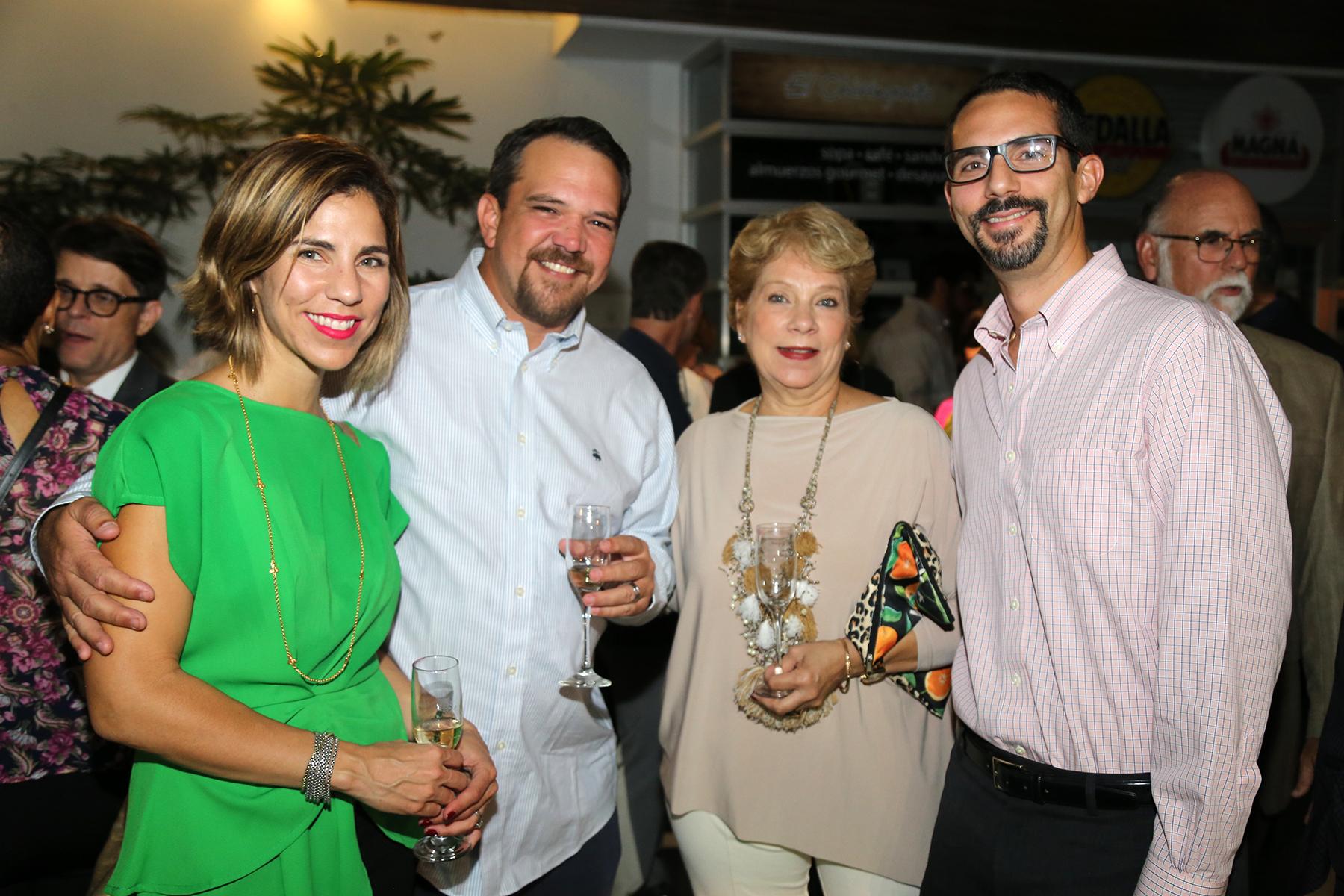 Rosita Rodríguez, Francisco de Zengotita, Rosita Vélez y Luis Rodríguez. (Foto: Nichole Saldarriaga)