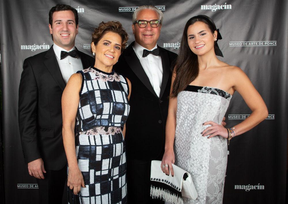 Alberto Bacó, Jr., Beatriz Sánchez, Alberto Bacó y Ana Bacó (Jorge A. Ramírez Portela)