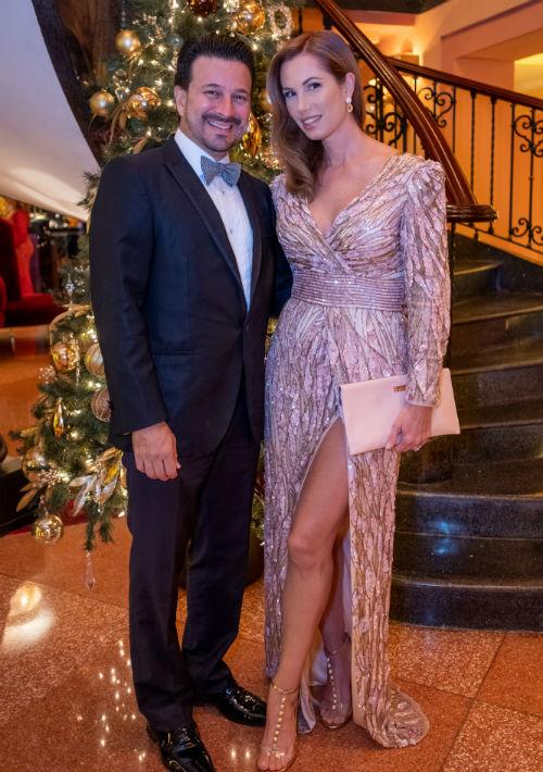 Roberto Cardona y Desirée Lowry (Ricky Reyes)