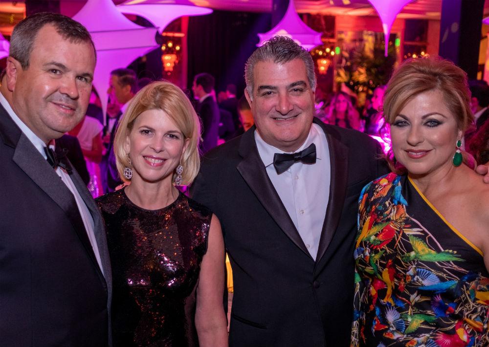 Alberto y María De la Cruz, con Efrén y Patricia Eaves. (Ricky Reyes)