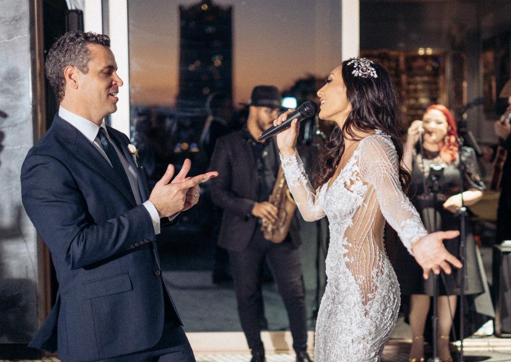 """Nicole y Roberto optaron por un """"unplugged wedding"""" para mantener la intimidad del evento. Por lo que se le solicitó los invitados no llevar teléfonos celulares ni cámaras. (Emilio León Photography)"""