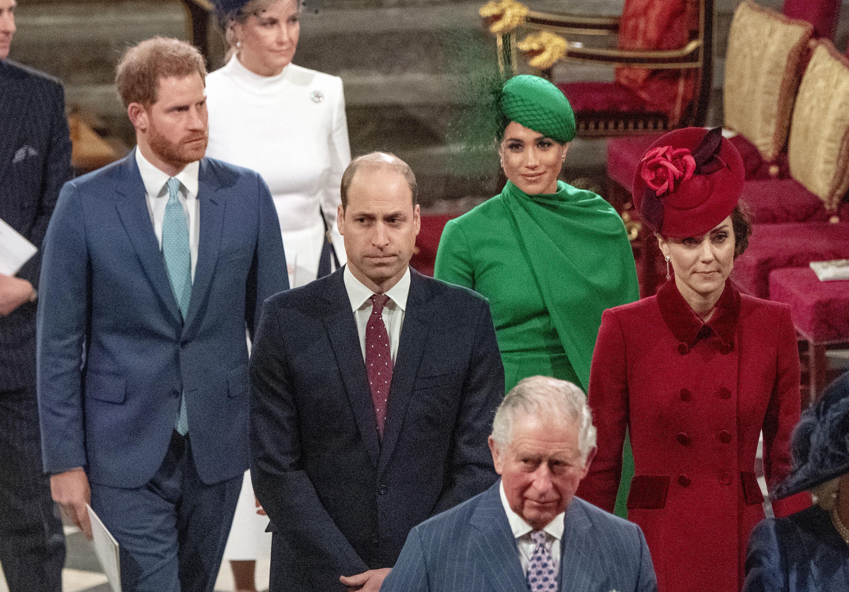 """La pareja comenzó el mes de marzo viajando a Reino Unido para participar de la entrega de los Endeavour Fund Awards. Luego acompañaron a la reina Elizabeth II, a los príncipes Charles y William y a la duquesa de Cambridge a un servicio para celebrar el Día de la Mancomunidad británica. Estas fueron sus últimas actividades como """"royals"""". (Archivo)"""