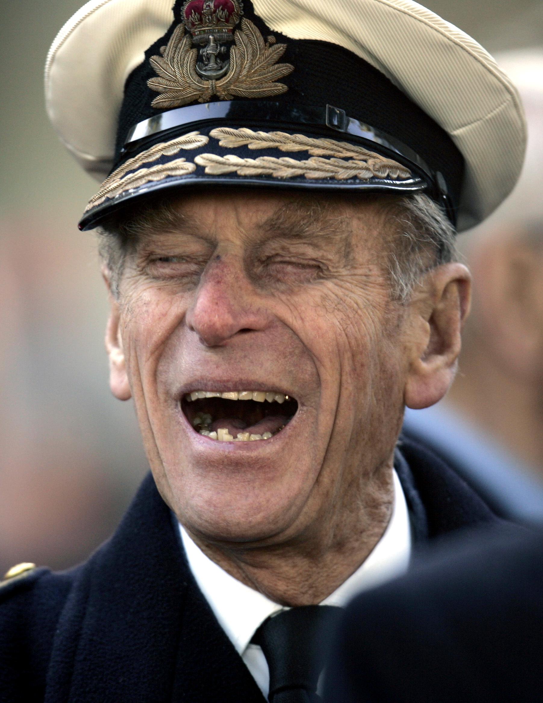 El príncipe Philip de Grecia y Dinamarca nació el 10 de junio de 1921, en medio de una agitación que llevó a un golpe militar que derrocó a su tío, el rey Constantino de Grecia, unos meses después. (AP)