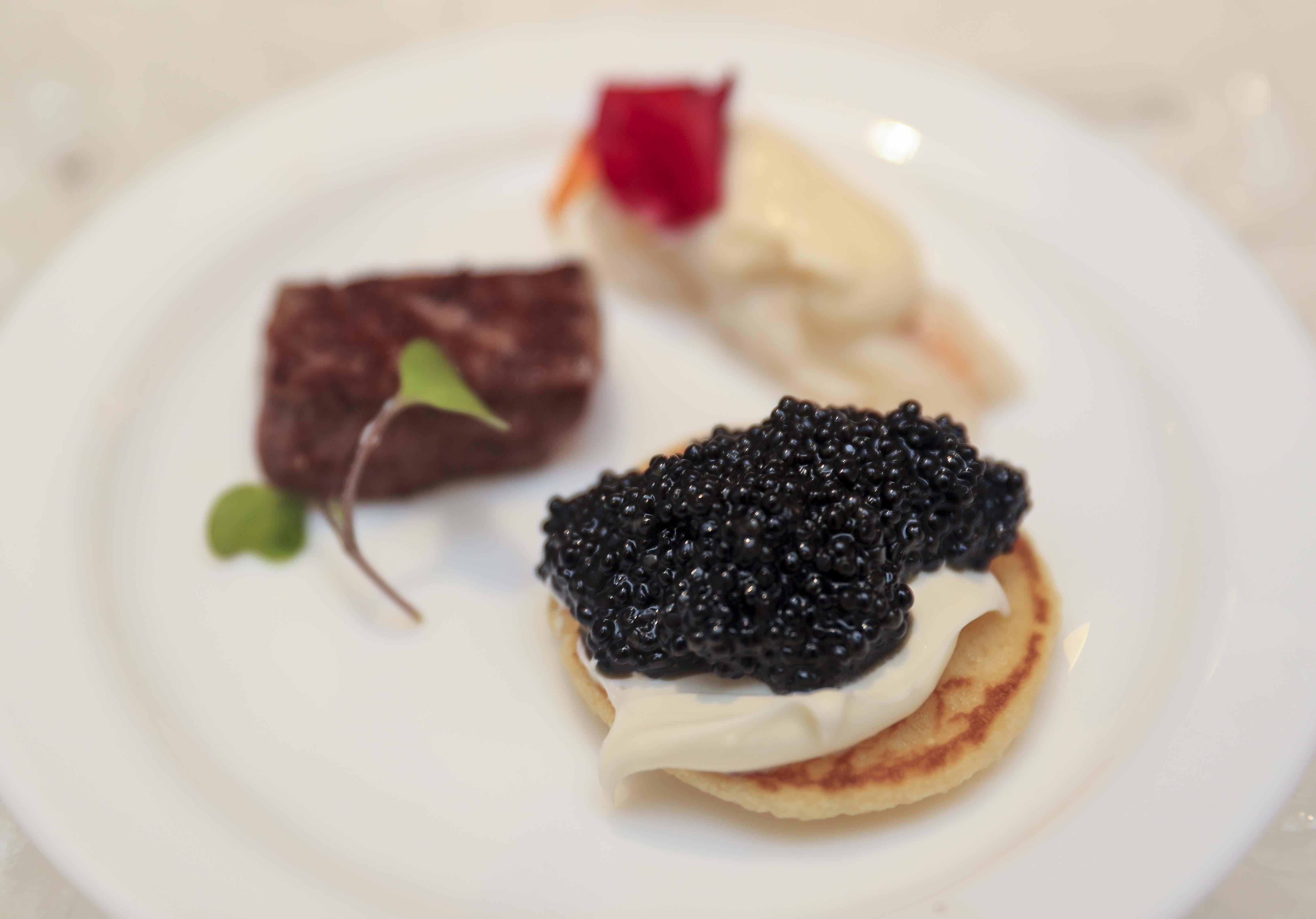 Detalle de los aperitivos servidos a los comensales. (Wanda Liz Vega)