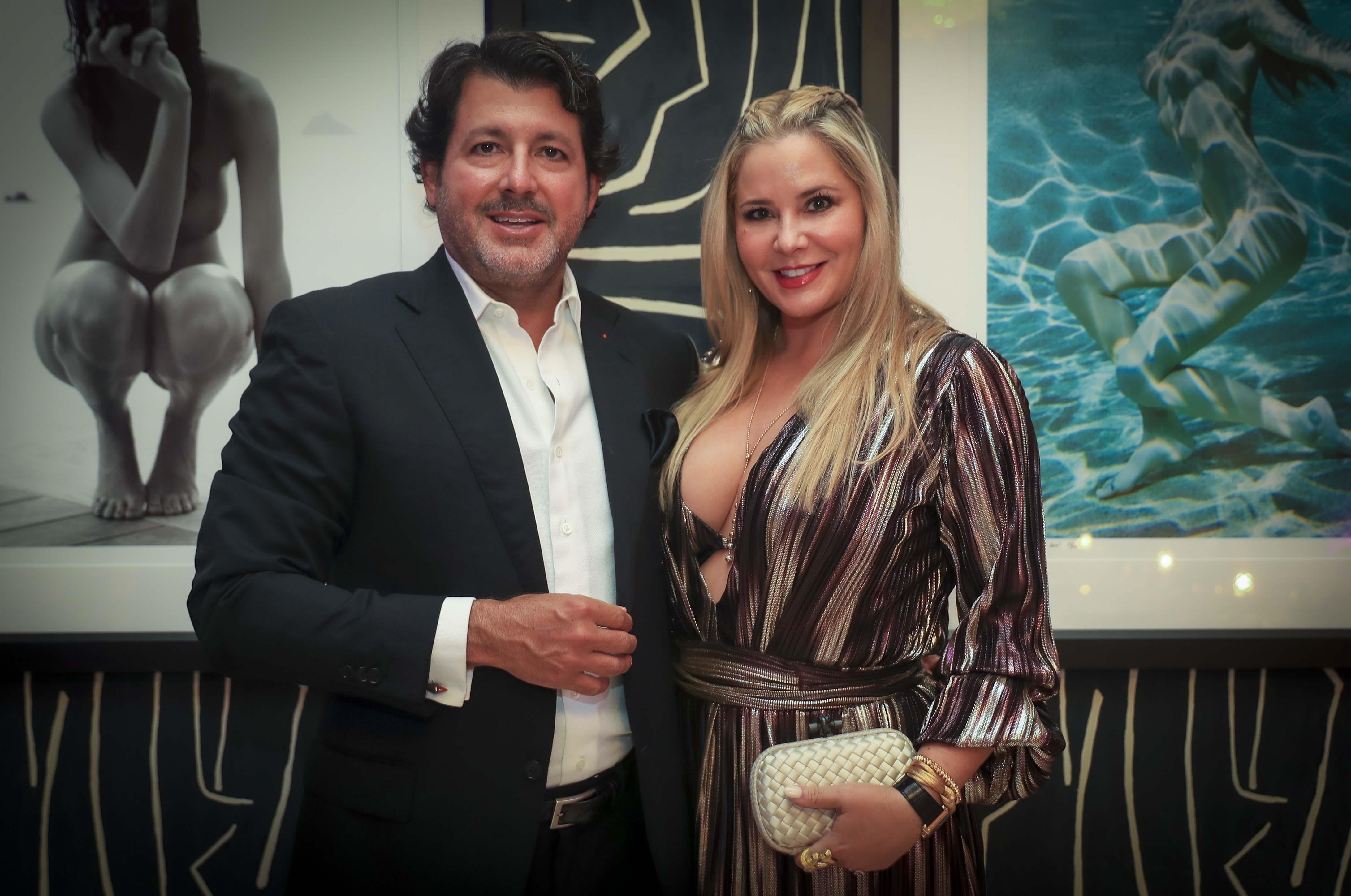 Carlos y Cristina Trapaga (Wanda Liz Vega)