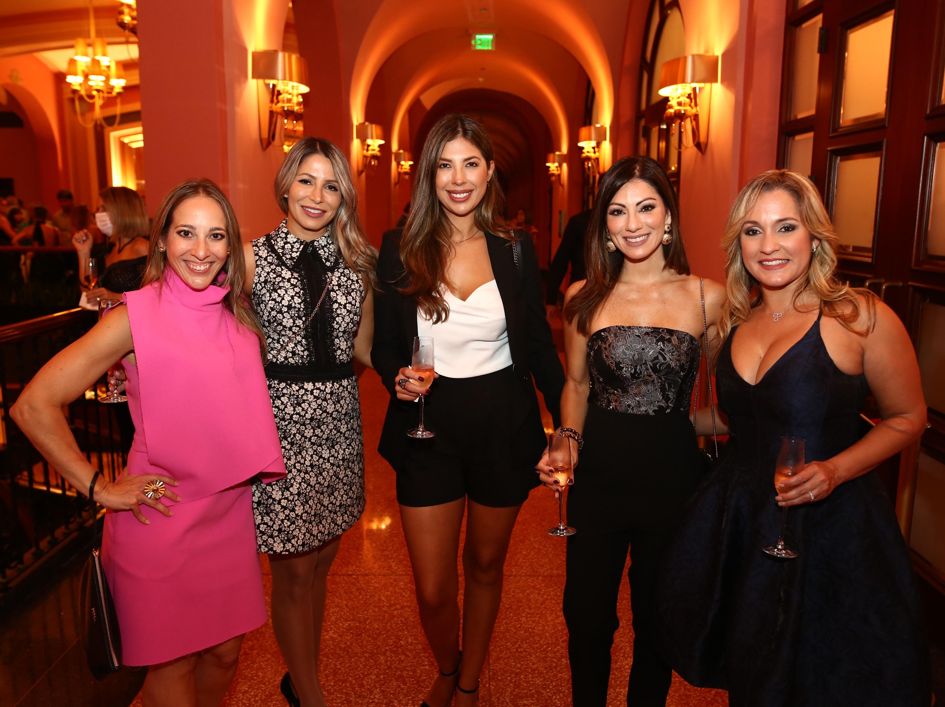 Liana Camacho, Yaritza Collazo, Alejandra Gaona, Nicole Rodríguez y Belly Torres (Foto: José Rafael Pérez Centeno)