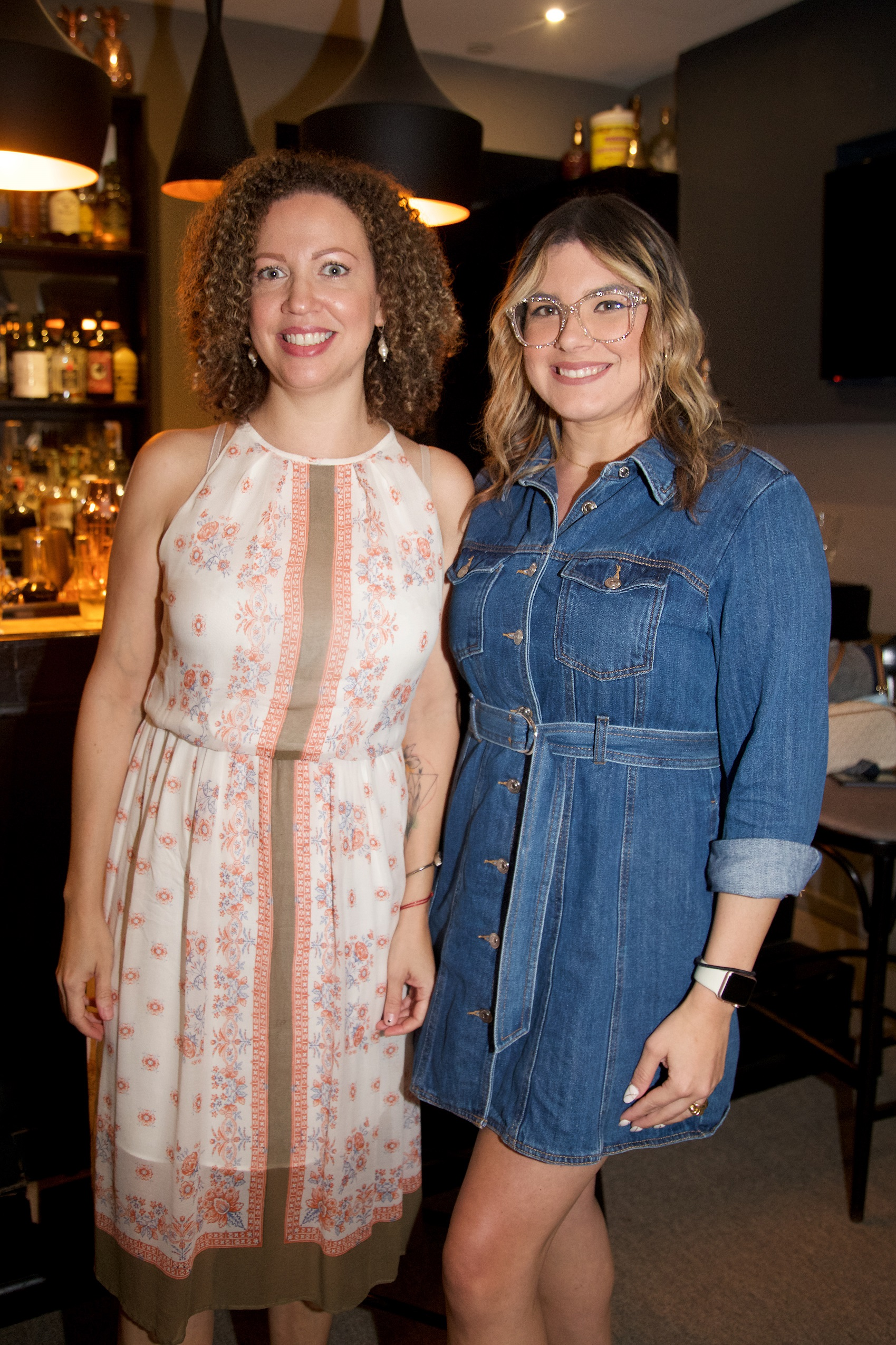Laura Sáez y Nicole Rivera (Nichole Saldarriaga)