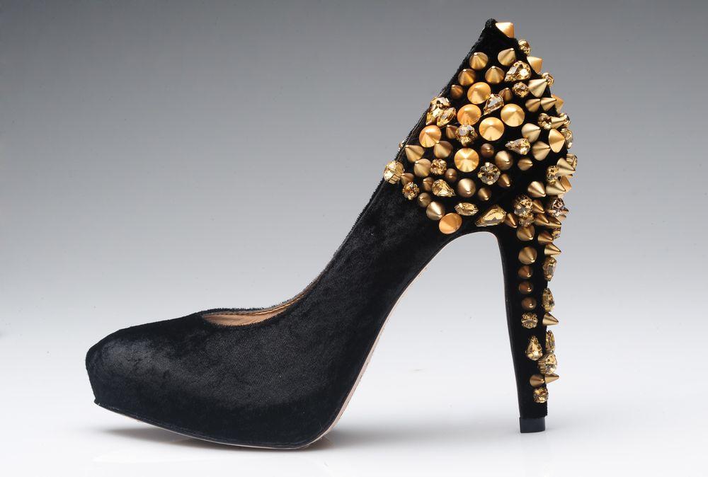 En el siglo 16, este modelo de calzado formaba parte del uniforme de los lacayos. No fue hasta siglo 18 que llegó al guardarropa femenino. (Foto: Archivo)
