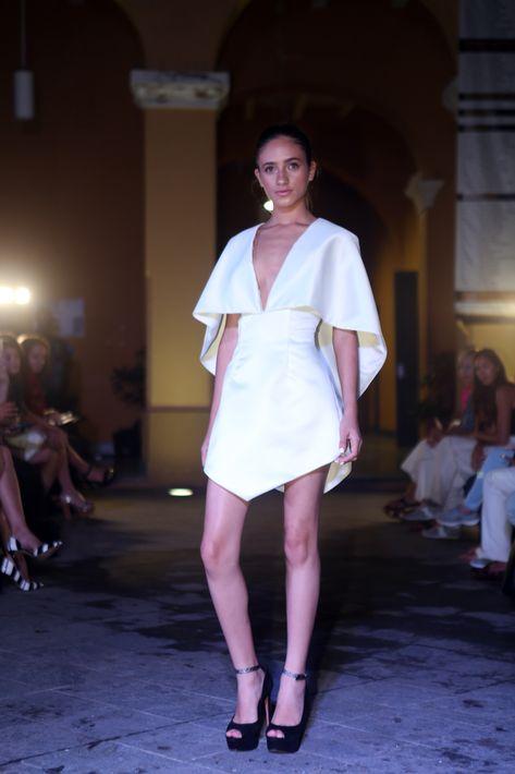 El vestido corto blanco es una prenda de vestir indispensable para la temporada. (Foto: José Rafael Pérez Centeno)