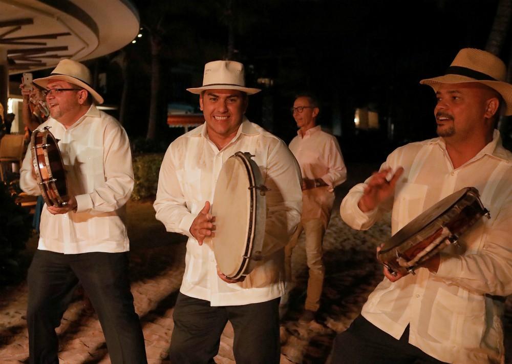 Pleneros fueron parte de la fiesta típica. (Foto Suministrada)