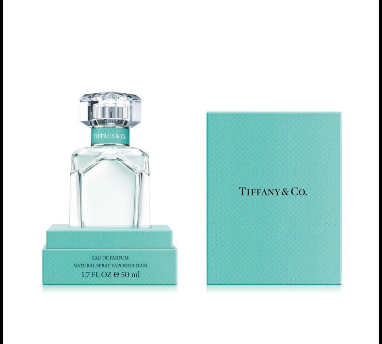 Tiffany Eau de Parfum - Tiffany & Co. trae una fragancia inspirada en el glamur de Nueva York y en la femineidad de la mujer aventurera y cosmopolita. Es una fragancia sumamente seductora, pero con un toque romántico a la vez que se logra a través de la mezcla de notas de mandarina, flor de iris, pachulí y almizcle. (Foto: Suministrada)