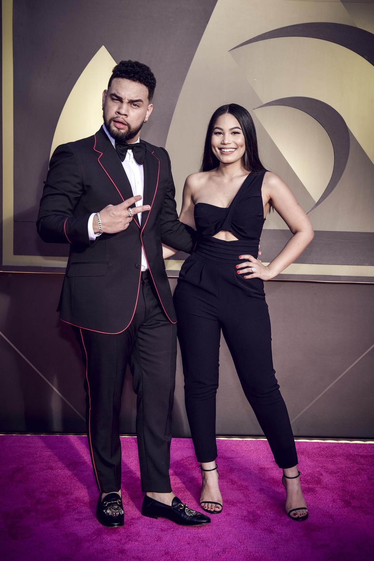 El influencer dominico-boricua Lejuan James y su novia Camila Colón. (Suministrada/ Univision)