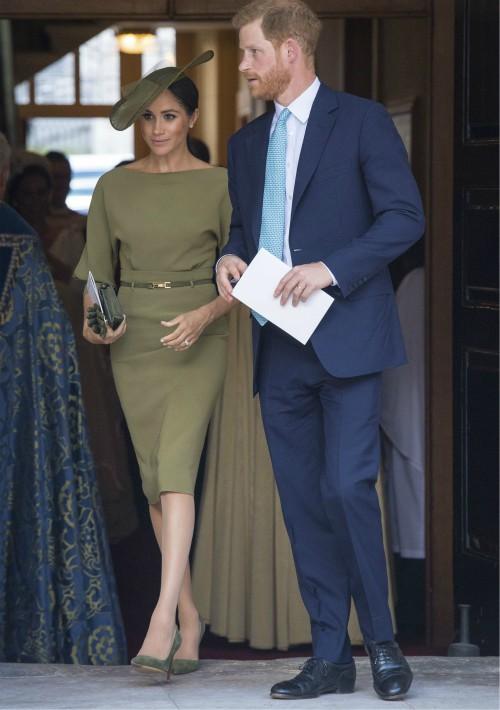 La ceremonia privada se celebró ante menos de treinta invitados, entre los que estaban los recién casados duques de Sussex, el príncipe Harry y Meghan. (Foto: AP)
