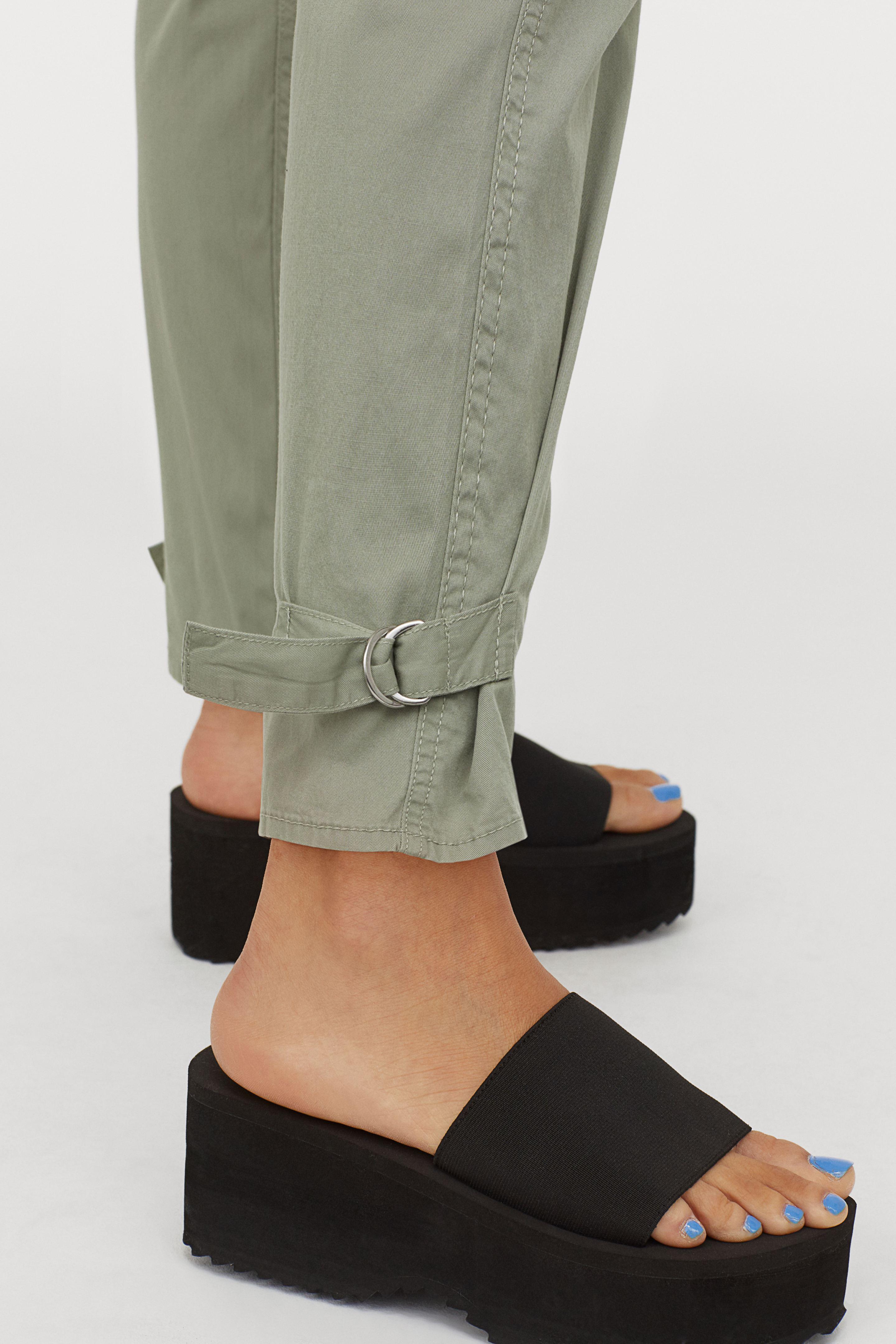 """¿Eres de las que prefiere que el zapato te eleve del piso?  Pues para ti son las """"flatforms"""", una opción que te ofrece altura sin sacrificar la comodidad. (WGSN)"""