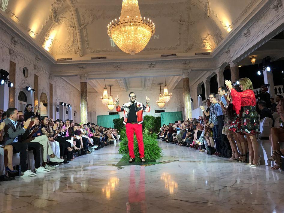 El cierre de la penúltima noche de esta edición de San Juan Moda estuvo a cargo de Eddie Guerrero. (Foto: Suministrada)