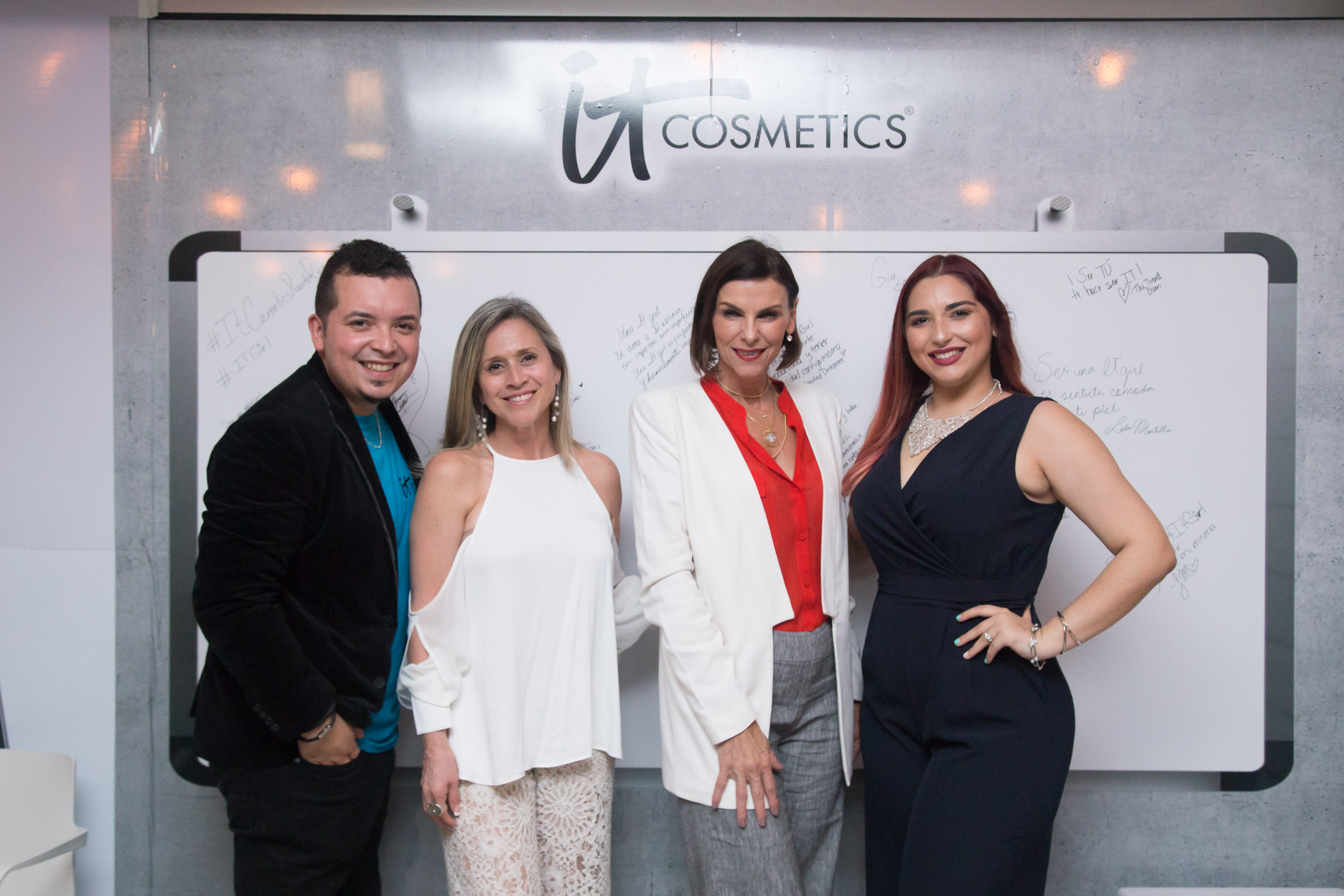 Eliexer Rodríguez, Violeta Arbulu, Ileana Cambó y Frances Rivera.