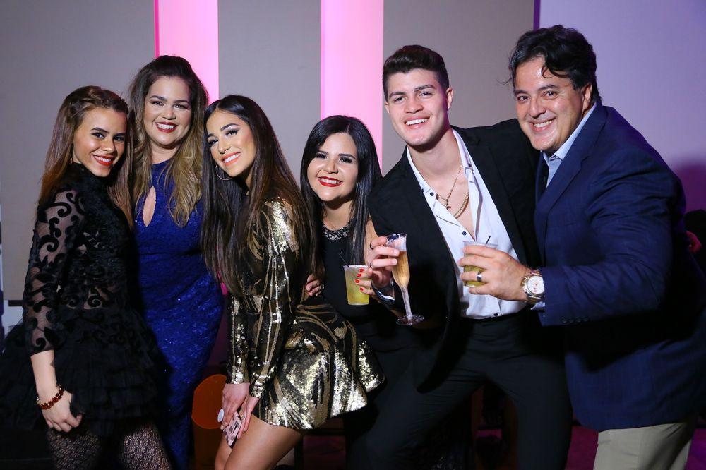Ema Ríos, Andrea Quiñones, Ana Soto, Lizbeth Rivera, Miguel Ángel Rodríguez, Víctor Mellado.
