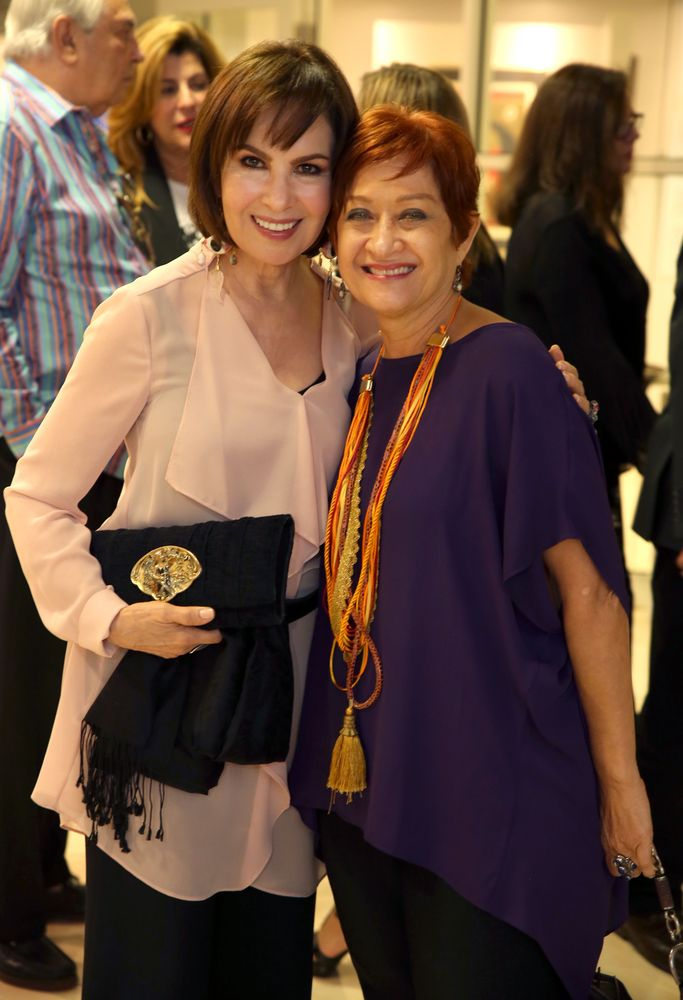 Nydia Caro y Flora Pérez Garay. Fotos Jose R. Pérez Centeno.