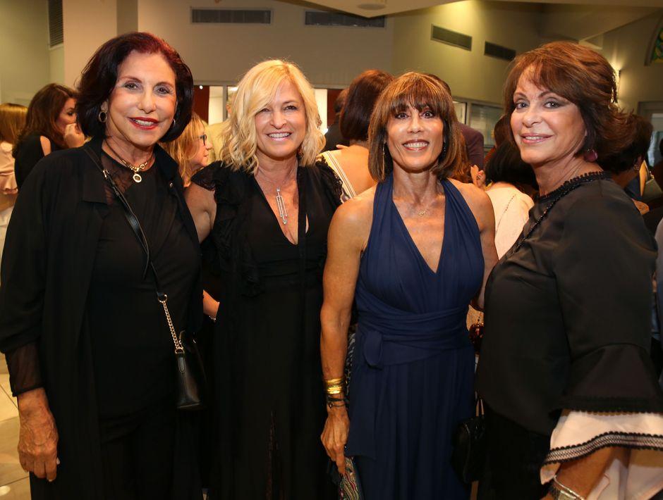 Frances Picó, Cari Pierluisi, Anita Cátala y Carola Acosta. Fotos Jose R. Pérez Centeno.