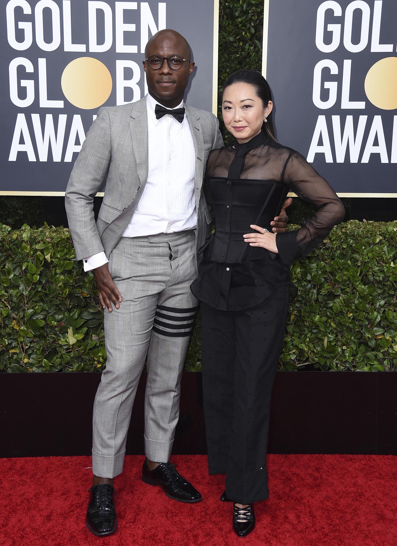Barry Jenkins y Lulu Wang. (AP)