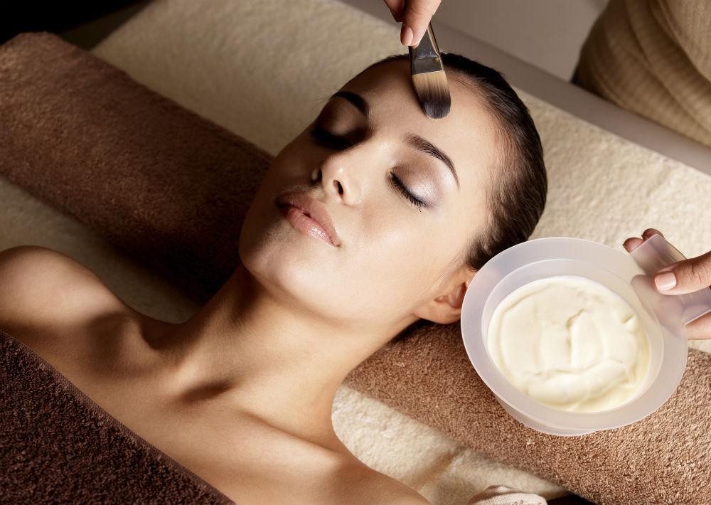 Visita periódicamente a la estética para recibir los servicios de una limpieza profunda. La frecuencia la determinará el experto que te trate basándose en la condición de tu piel. (Foto: Archivo)
