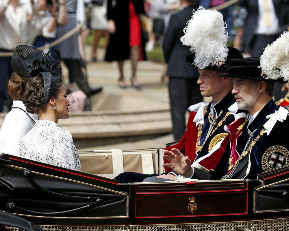 Junto a la reina Letizia y la duquesa de Cambridge, estuvieron el rey Felipe VI y el príncipe William, de Inglaterra. (EFE)