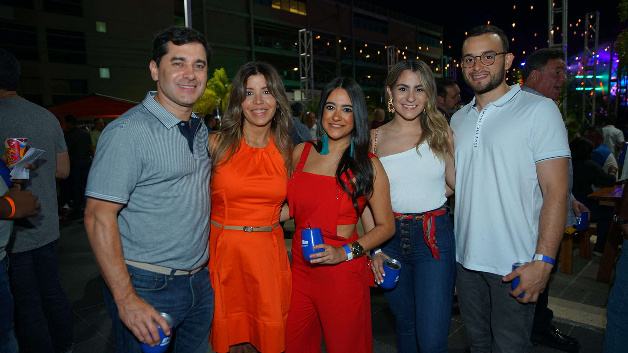 José Jaunarena, Priscila Vélez, Cristina Vega, Tanya Nieves y José González. Suministrada