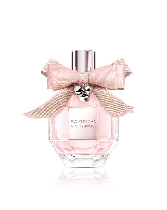 Flowerbomb Pink Limited Edition te brinda un explosivo bouquet floral en una botella. La esencia de miles de flores da lugar a una fragancia ultrafemenina, deliciosa y sensual. Con la compra de este producto te llevas gratis una fragancia de 15ml valorada en $37. (Suministrada)