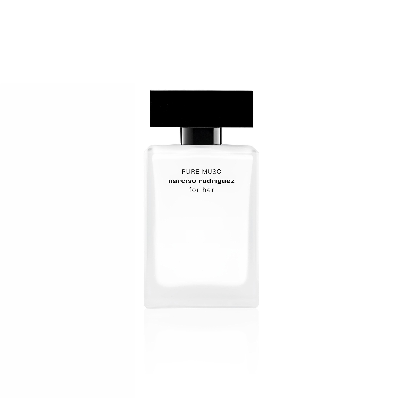 El diseñador Narciso Rodríguez lanzó al mercado recientemente la fragancia For Her Pure Musc, inspirada en la versión original de For Her, pero con una dosis particular de almizcle que la hace muy poderosa. El frasco blanco y negro evoca la belleza y el arte exquisito de la fragancia contenida. (Foto: Suministrada)