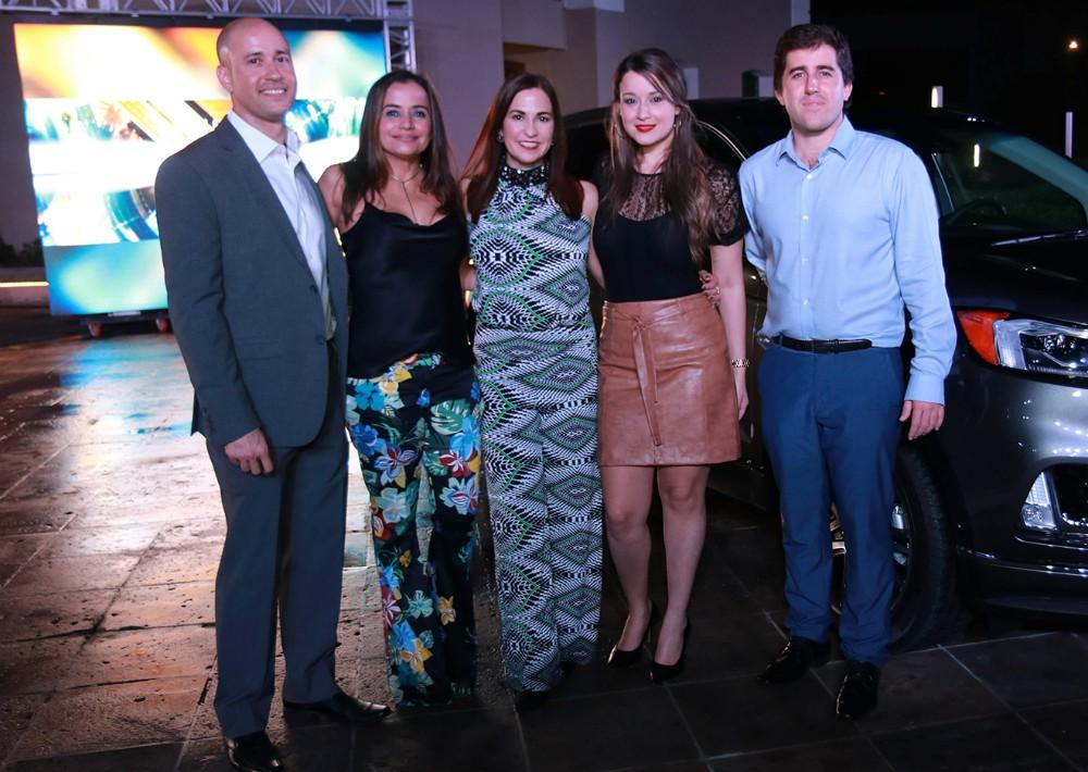 José Rivera, Lorraine Urdaz, Vivian Dávila, Jennifer González y Andrés Villanueva. (Foto Suministrada)