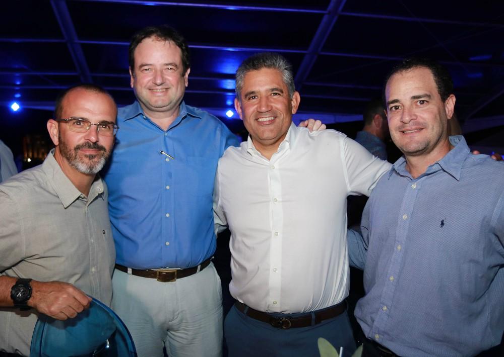 Jan J. Cot, Pablo Szulc, José R. Matos y Gustavo Neváres. (Foto Suministrada)