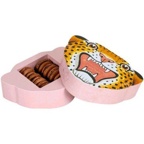 Ladurée presentó su colaboración con la diseñadora inglesa Charlotte Olympia. El estuche, un leopardo, como el sello de la diseñadora y los macarons (muy ingleses) de té y chocolate. (Foto: Suministrada)